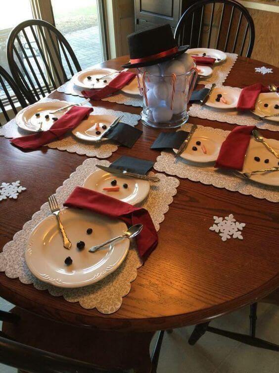 Decoración de una mesa de Navidad para niños