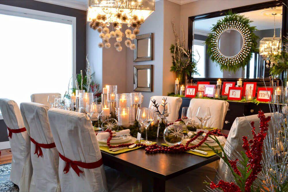 montaje de una mesa de navidad elegante