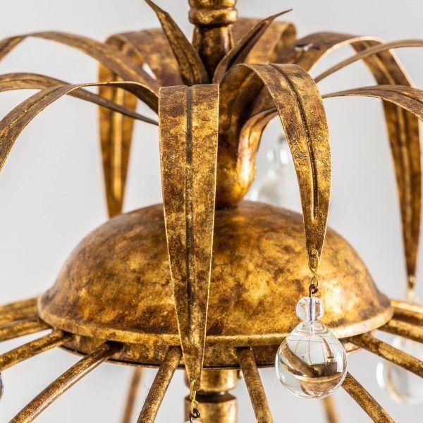 detalle labrado de lampara de techo clasica