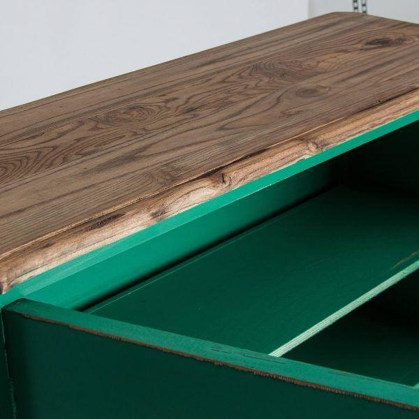 detalle sobre consola samari verde